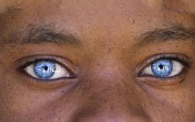 Abbiamo gli occhi bianchi? – 3 Storie curiose sul colore Blu!